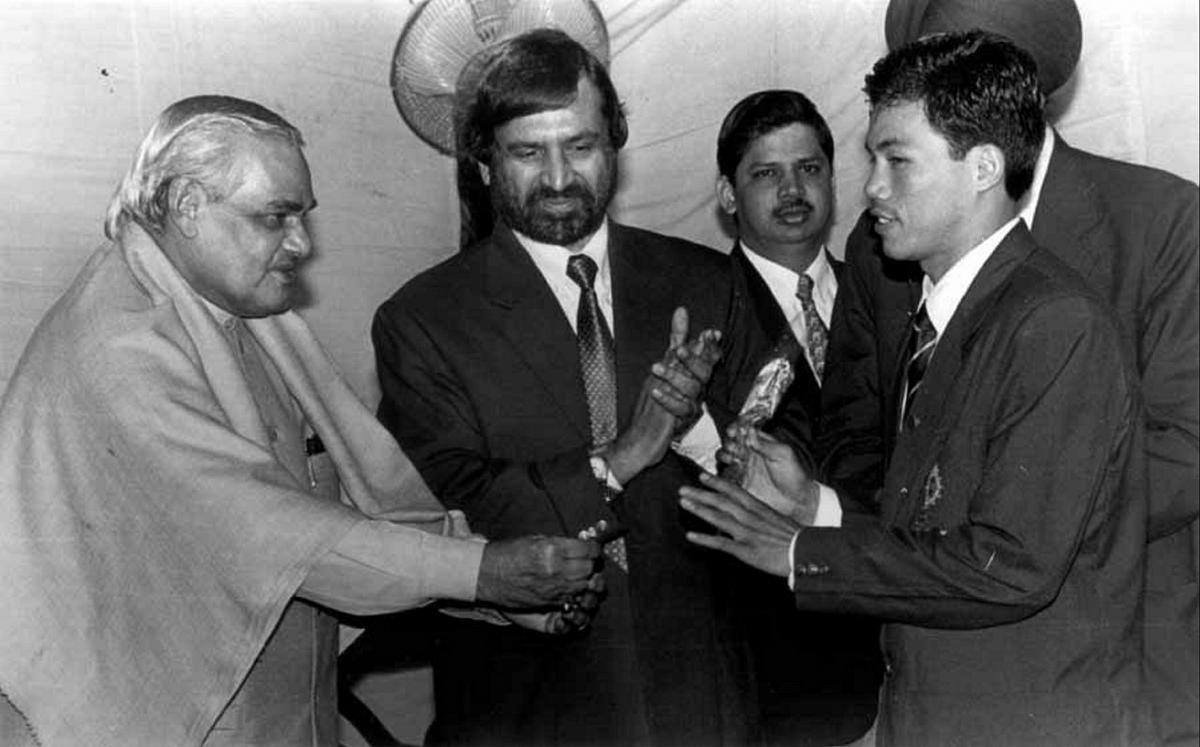 Dingko Singh with AB Vajpayee