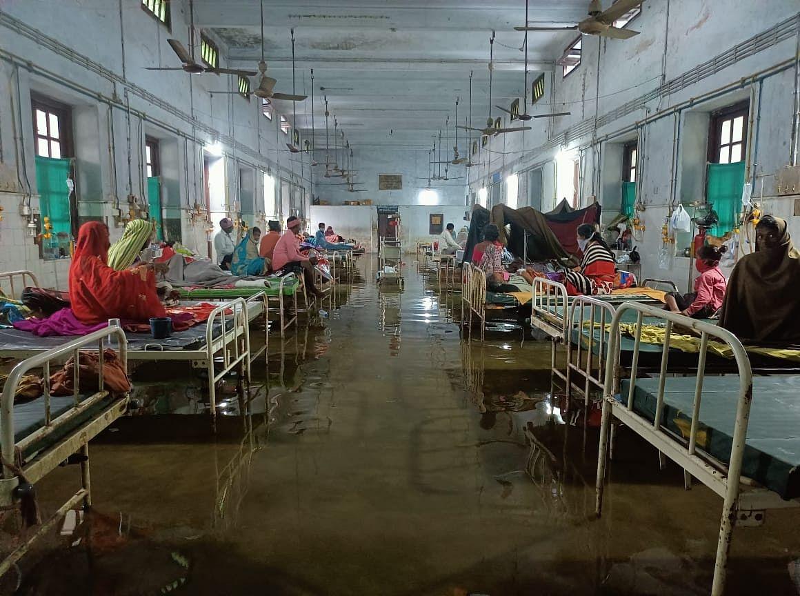 Sewage, Pigs, Filth... Inside the Hell of a Bihar Hospital