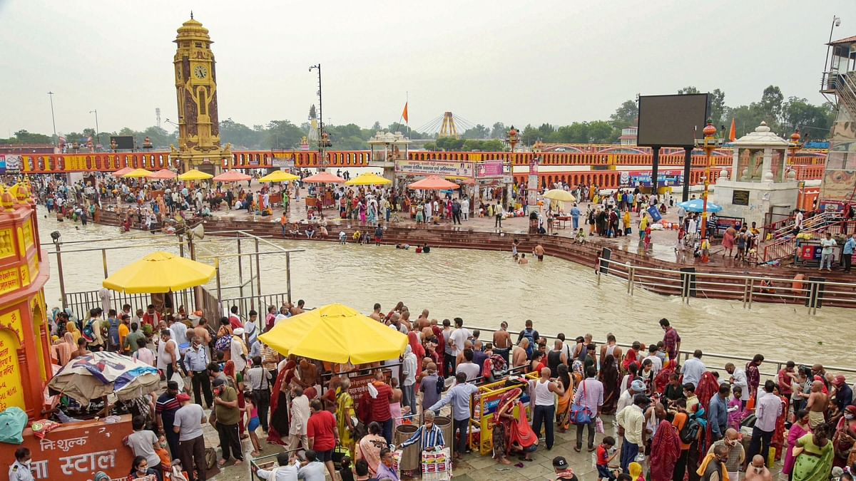 Flouting COVID protocols, devotees gather at the banks of the Ganga river on the occasion of 'Vat Purnima', at Har Ki Pauri ghat in Haridwar on Thursday, 10 June. Image used for representation only.