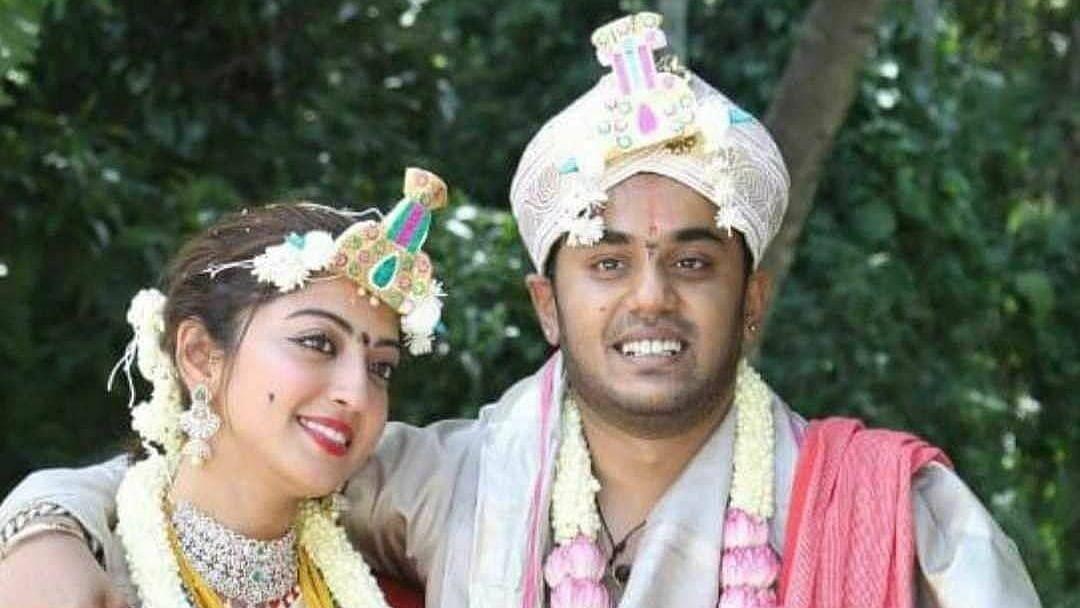 "<div class=""paragraphs""><p>Actor Pranitha Subhash has tied the knot with businessman Nitin Raju.</p></div>"