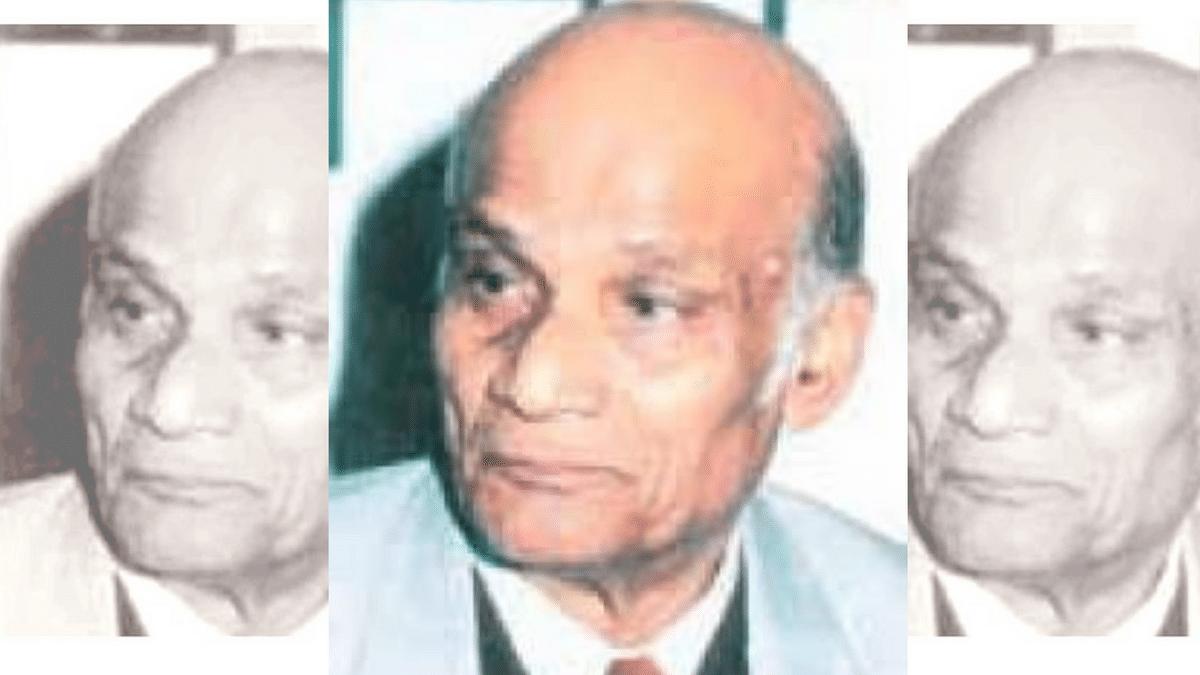 "<div class=""paragraphs""><p>Hindustani poet and lyricist Asad Bhopali</p></div>"