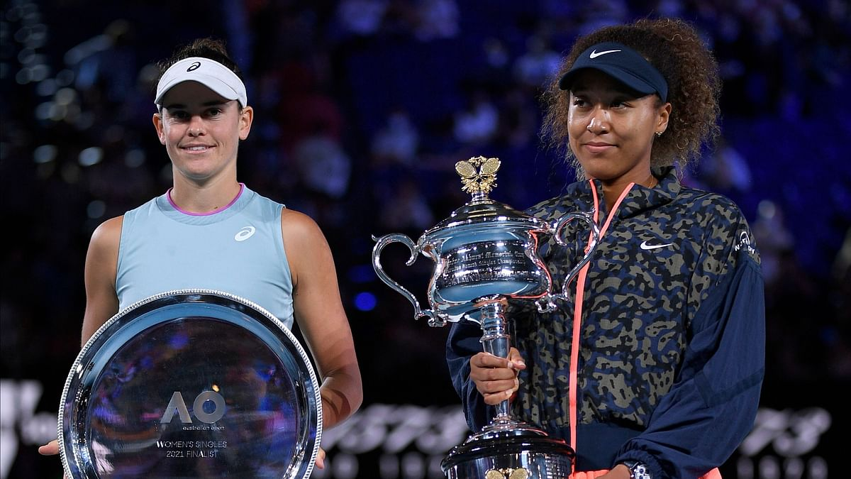 "<div class=""paragraphs""><p>Naomi Osaka holds the Daphne Akhurst Memorial Cup aloft after defeating  Jennifer Brady in the women's singles final at the 2021 Australian Open.</p></div>"