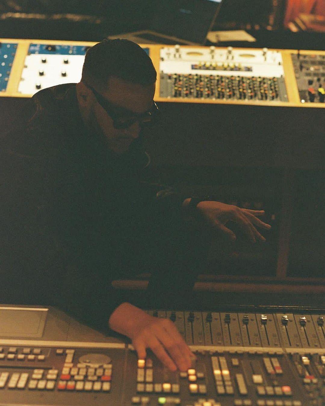 "<div class=""paragraphs""><p>DJ Snake at work, making music.</p></div>"