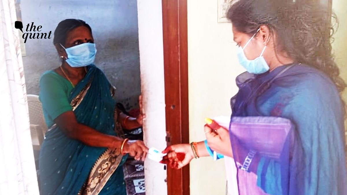 In Chennai's Slums, Youngsters Turn to 'COVID Duty' for Survival