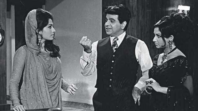 """<div class=""""paragraphs""""><p>Dilip Kumar, Sharmila Tagore and Bindu in B R Chpora's Dastaan (1972).</p></div>"""
