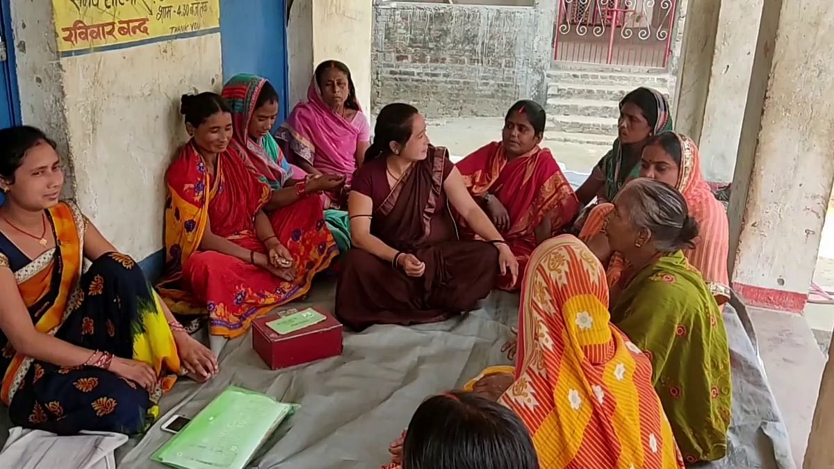 """<div class=""""paragraphs""""><p>Women in Simri Dumri village are willing to get vaccinated now.&nbsp;</p></div>"""