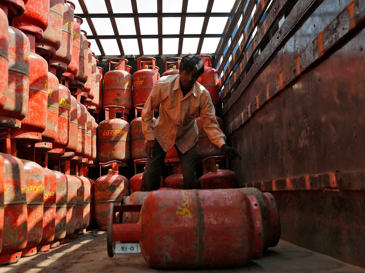 LPG Price Hiked by Rs 15 Per Cylinder: Check New Rates
