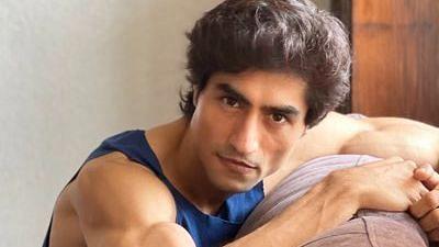 "<div class=""paragraphs""><p>Actor Harshad Chopda&nbsp;</p></div>"