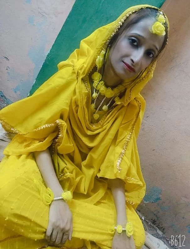 """<div class=""""paragraphs""""><p>Nazia in the run up to her wedding, she was 22 when she got married to Mohammad Abid.</p></div>"""