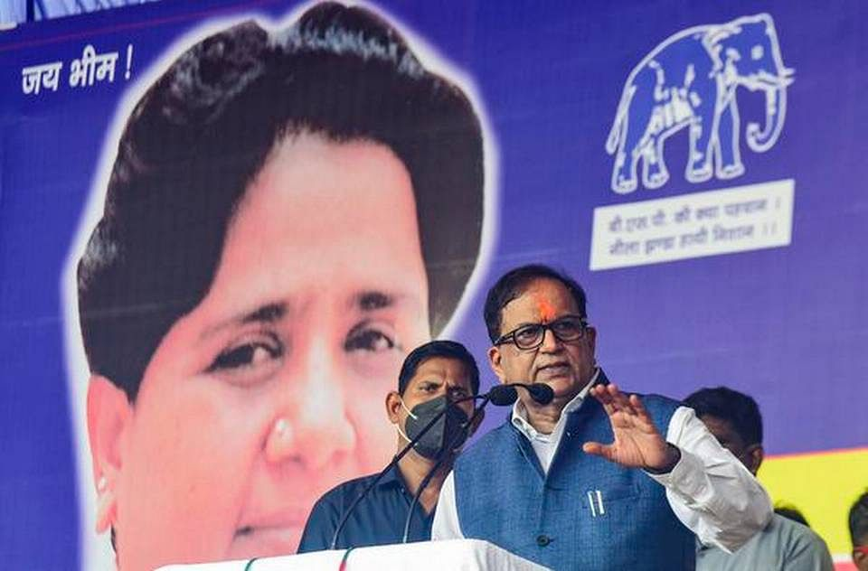 """<div class=""""paragraphs""""><p>BSP has once again resumed its outreach among Brahmins and it is being led by  supremo Mayawati's close aide Satish Chandra Mishra.</p></div>"""
