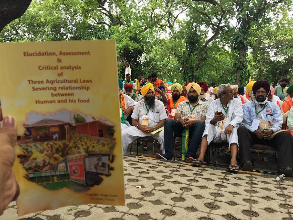 "<div class=""paragraphs""><p>Farmers at Jantar Mantar on Thursday.</p></div>"