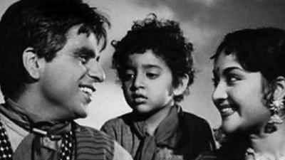 """<div class=""""paragraphs""""><p>Dilip Kumar's <em>Naya Daur</em>.</p></div>"""
