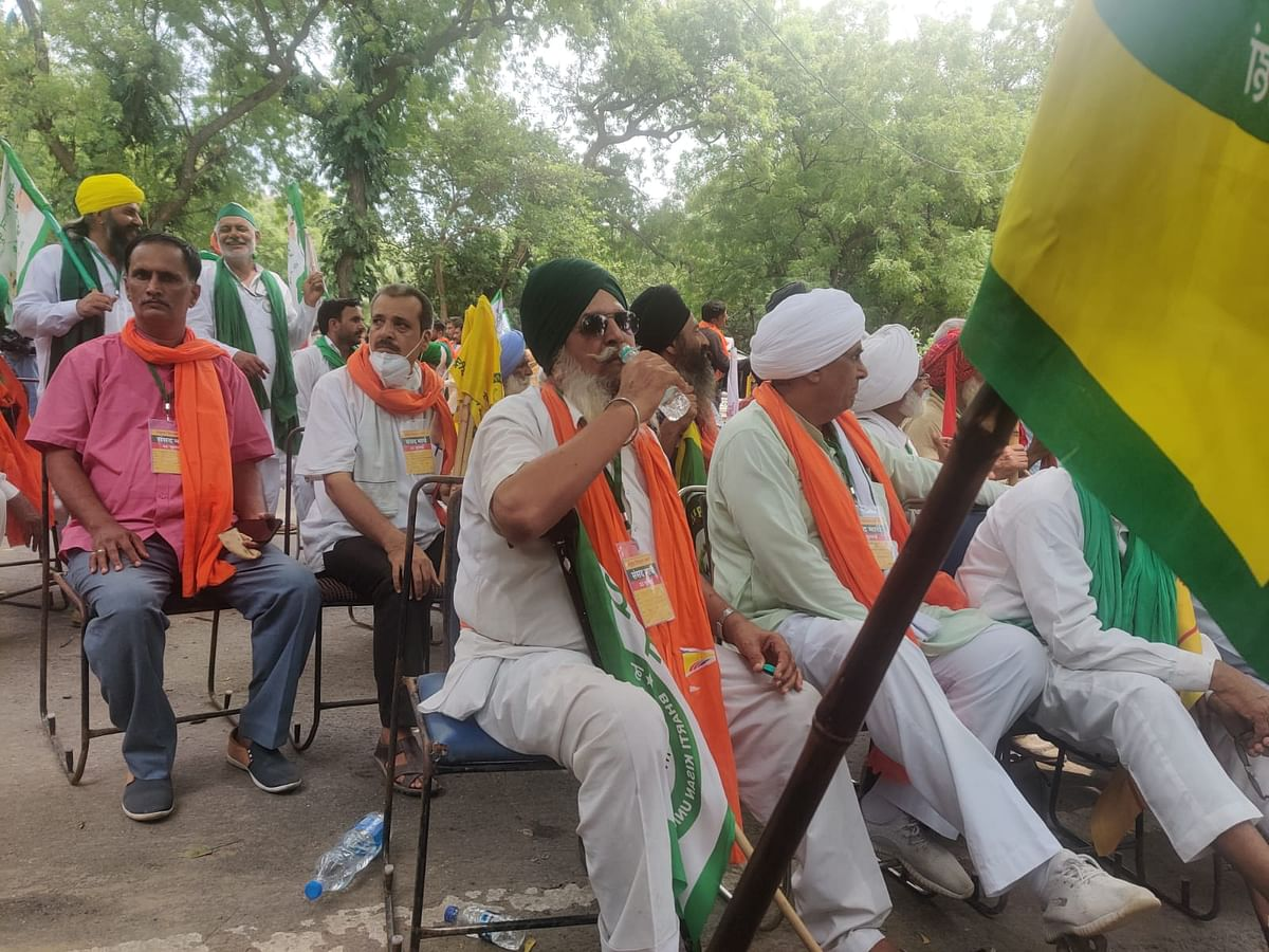 """<div class=""""paragraphs""""><p>The Delhi Police on Wednesday had permitted farmers to hold their demonstrations at the location.</p></div>"""