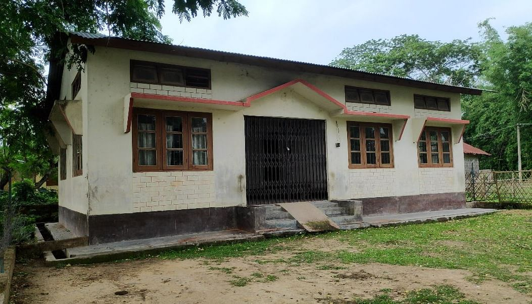 "<div class=""paragraphs""><p>A vaccination centre at a Sub Health Centre in Hojai district remains shut amid vaccine shortage.</p></div>"