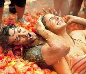 """<div class=""""paragraphs""""><p>Katrina Kaif and Hrithik Roshan from a still in the Tomatina Festival.</p></div>"""