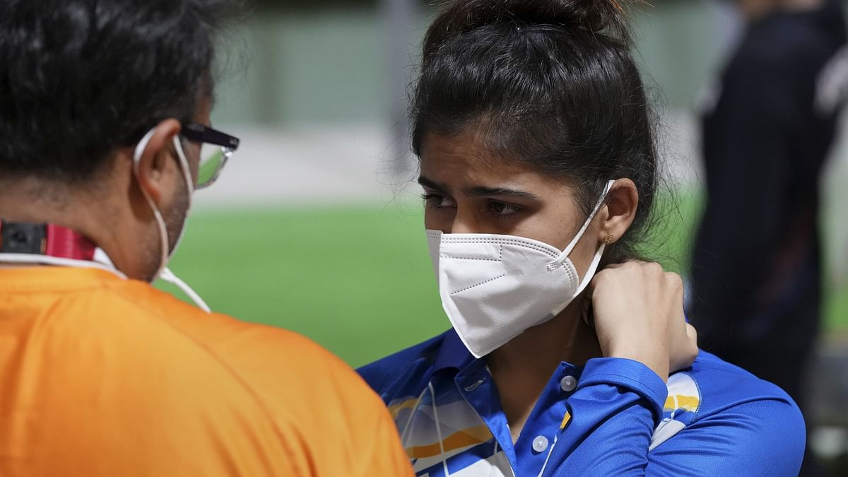 """<div class=""""paragraphs""""><p>Manu Bhaker and Yashaswini Deswal finished 12th and 13th respectively in the 10m Air Pistol Women's Qualification</p></div>"""