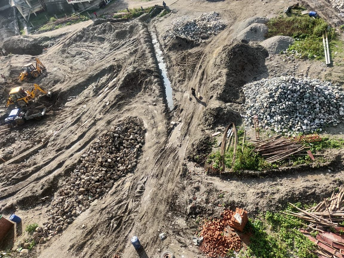 """<div class=""""paragraphs""""><p>Construction at the Sukhatal Lake in full swing</p></div>"""