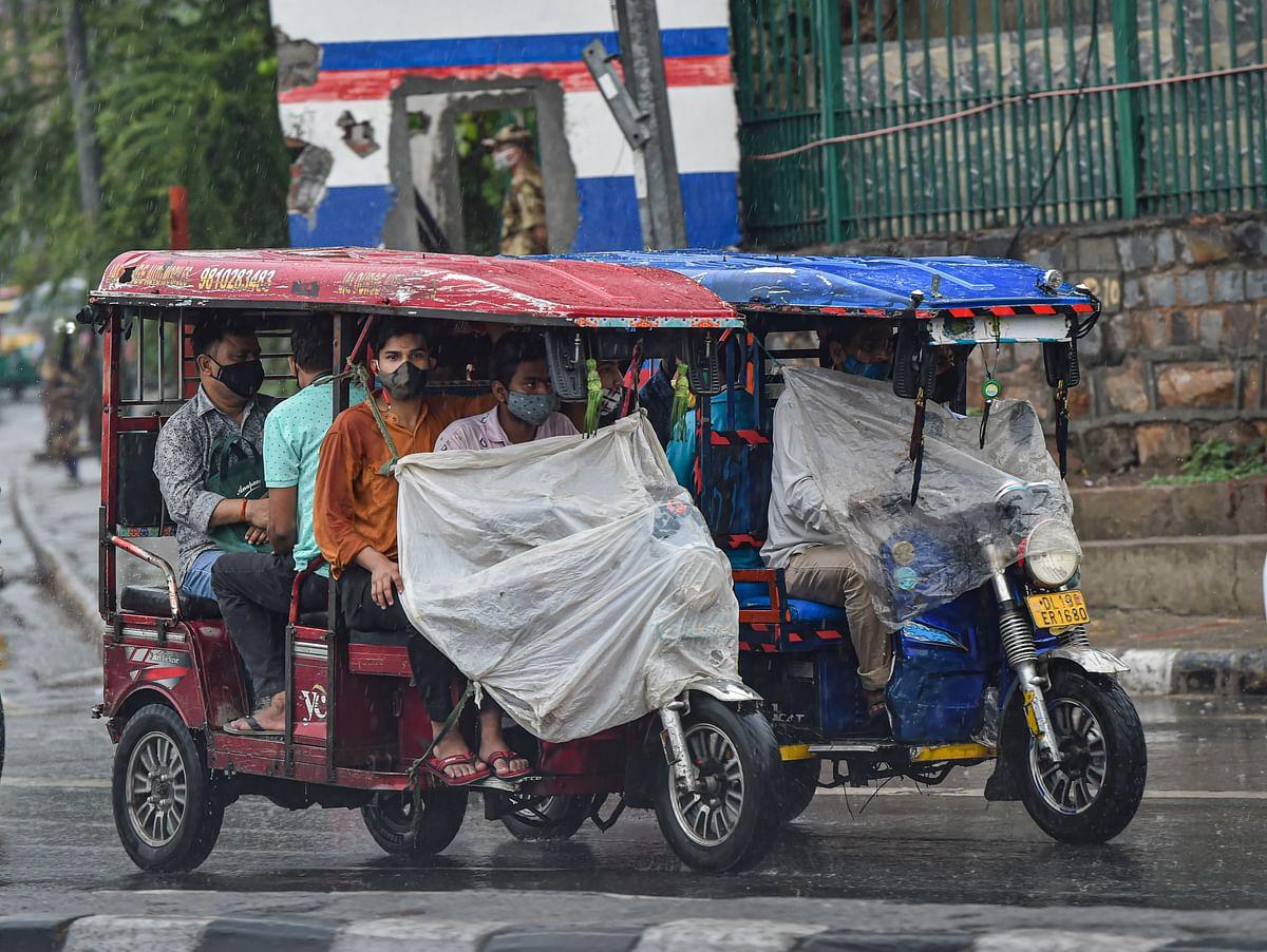 "<div class=""paragraphs""><p>Delhi witnesses heavy rainfall as monsoon  sets in.</p></div>"