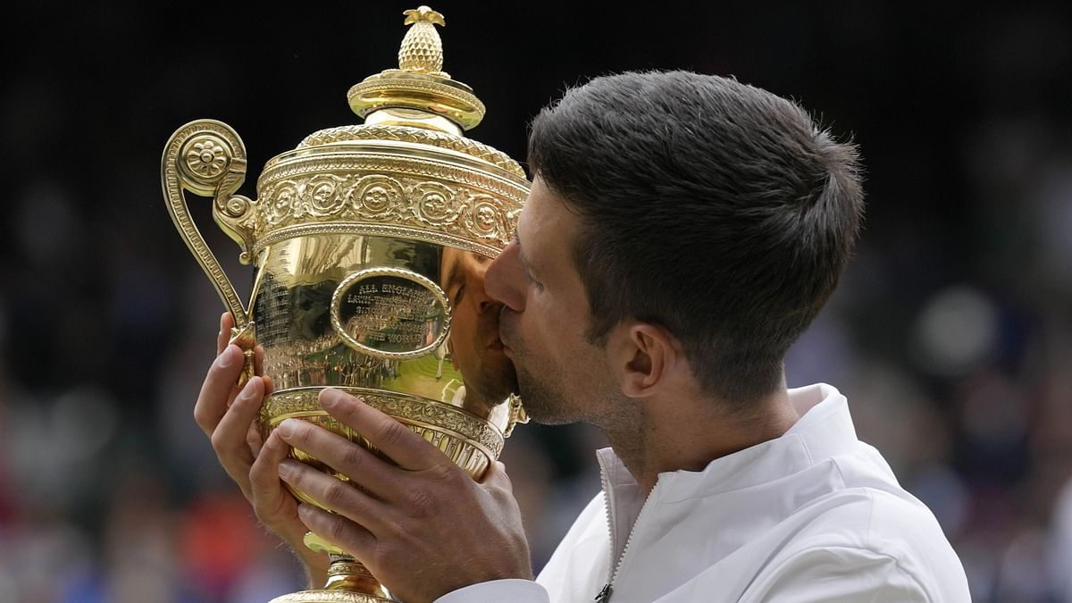 Djokovic Wins Wimbledon, Ties Federer and Nadal With 20 Grand Slam Titles
