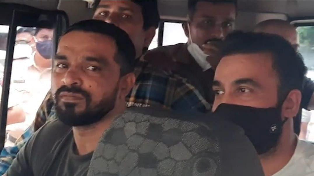 "<div class=""paragraphs""><p>Businessman Raj Kundra being sent to police custody</p></div>"