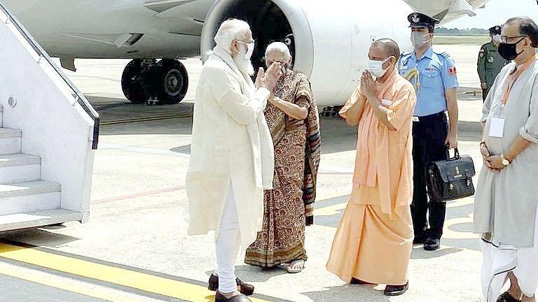 UP's Efforts in Combating COVID-19 Commendable: PM Modi in Varanasi