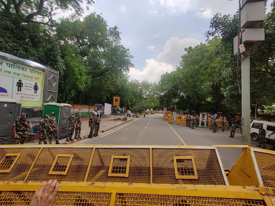 """<div class=""""paragraphs""""><p>Heavy barricading has been done at Jantar Mantar and security personnel have also been deployed.</p></div>"""