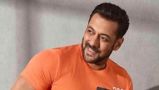 """<div class=""""paragraphs""""><p>Actor Salman Khan</p></div>"""