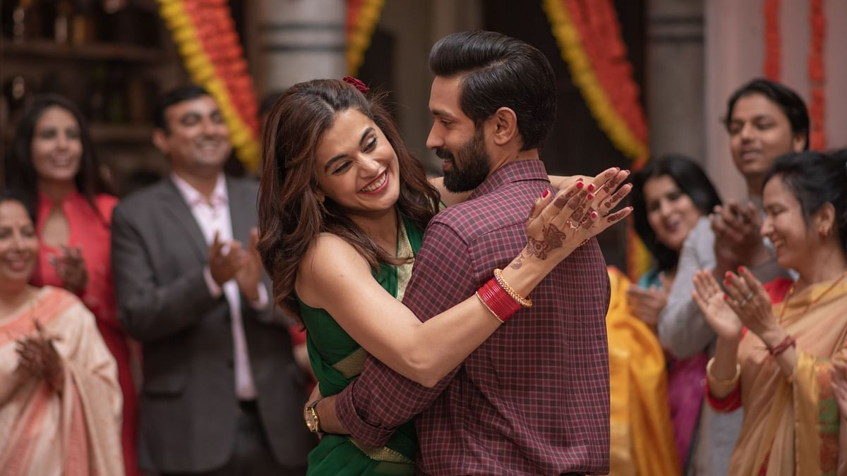 'Haseen Dillruba' Review: Taapsee, Vikrant's Film Is Problematic Yet Engrossing