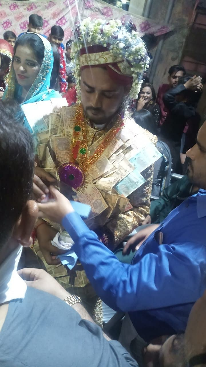 """<div class=""""paragraphs""""><p>Abid, during their wedding day on 6 October 2020.</p></div>"""