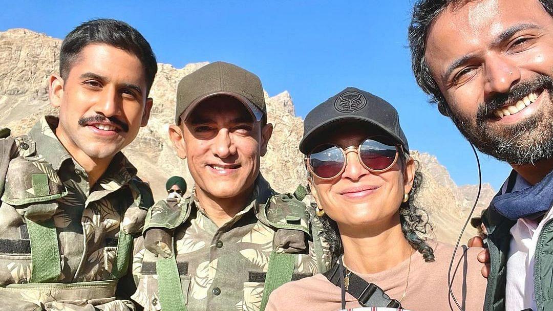 Laal Singh Chaddha: Aamir Khan, Kiran Rao Pose With Naga Chaitanya on Set