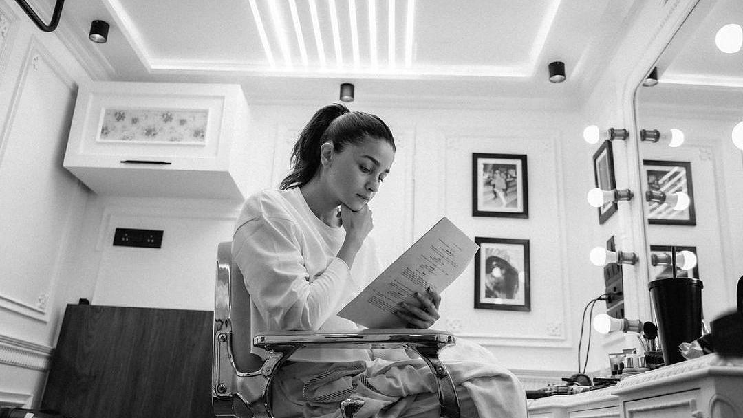 Alia Bhatt Begins Shooting for 'First Film as a Producer': Darlings
