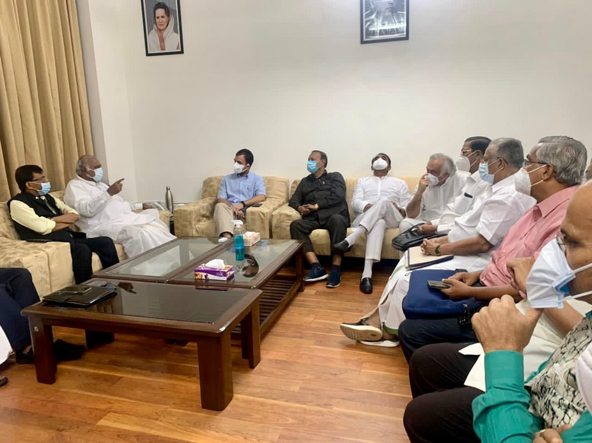 """<div class=""""paragraphs""""><p>Fourteen Opposition parties, led by the Congress, met on Wednesday, 28 July.</p></div>"""