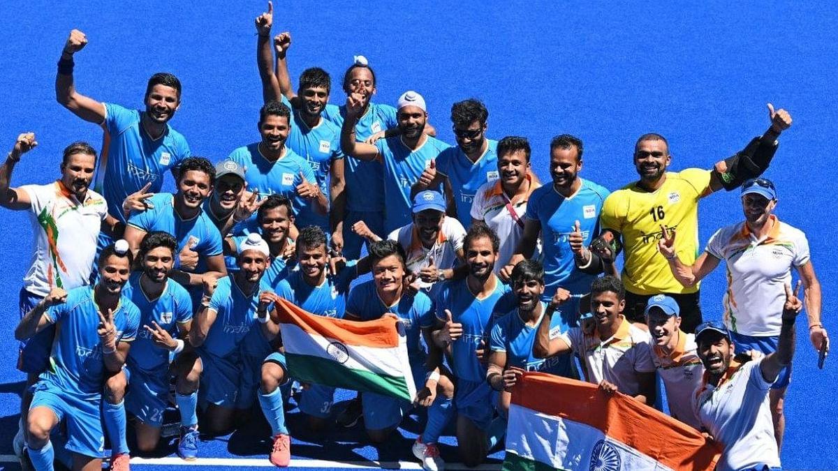 Shah Rukh Khan, Abhishek Bachchan Celebrate Men's Hockey Team's Olympics Win