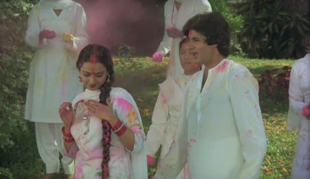 "<div class=""paragraphs""><p>Rekha and Amitabh Bachchan in a still from <em>Silsila's</em> 'Rang Barse'.&nbsp;</p></div>"