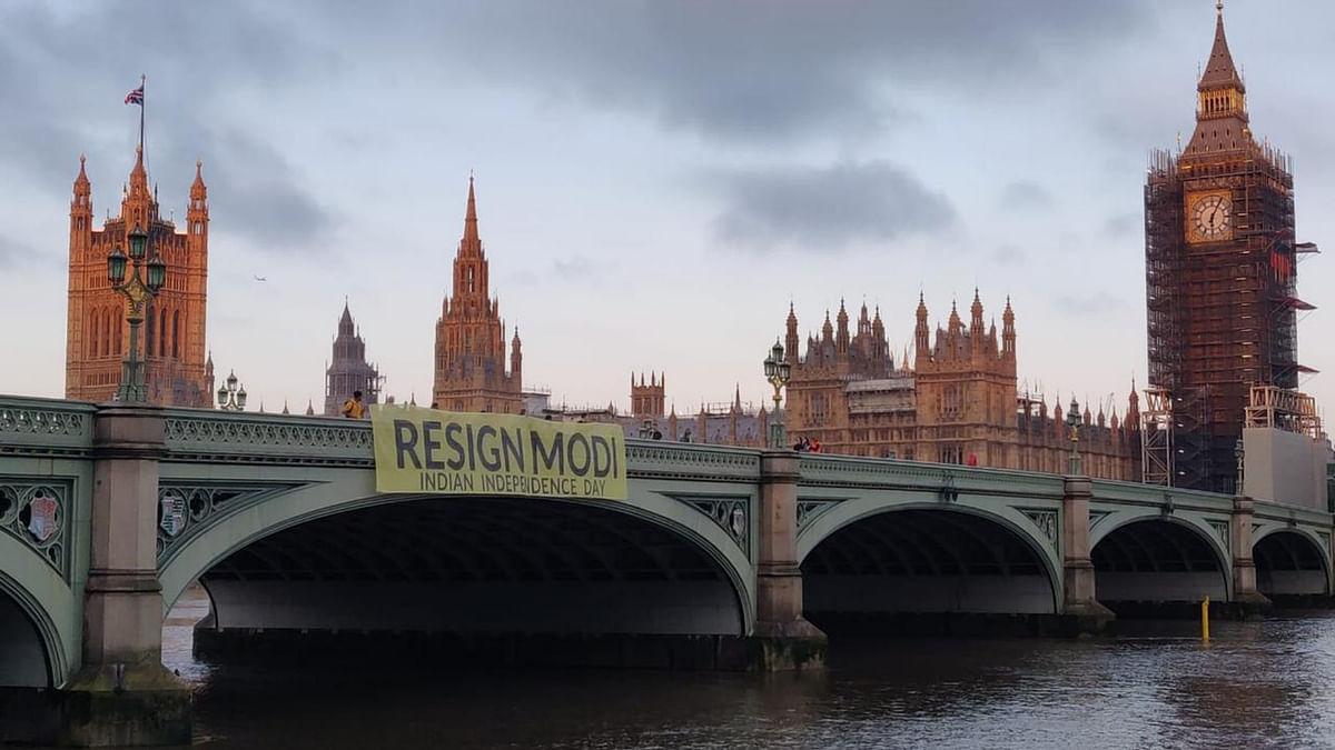 'Resign Modi': Indian Diaspora Organisation Drops Giant Banner From UK Bridge