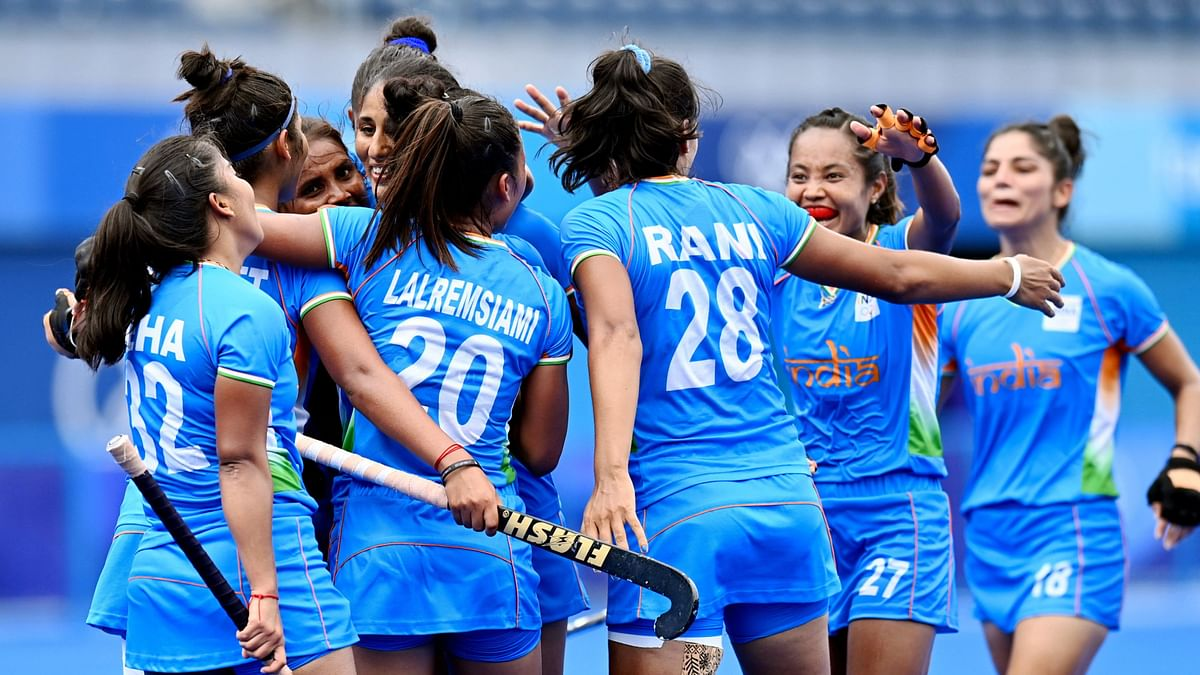 Indian Women's Hockey Team Reaches Semi-Finals for First Time; Twitter Loses it
