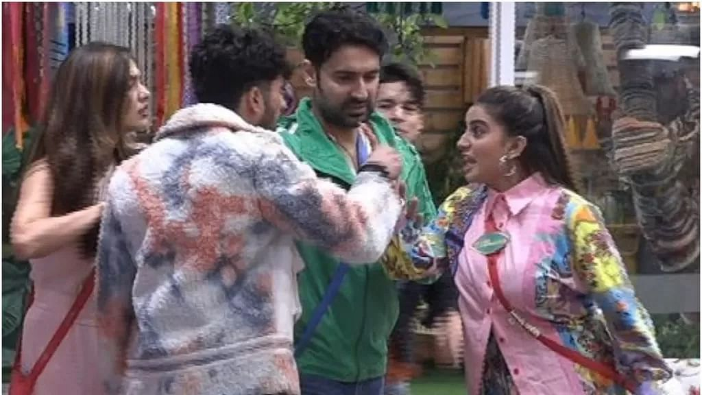 Bigg Boss OTT: Akshara Singh Pushes Zeeshan Khan as They Get Into a Fight