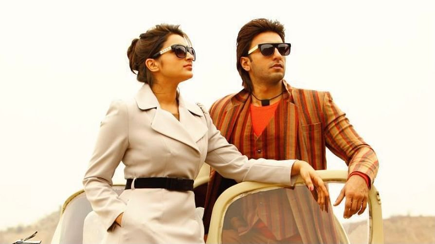 """<div class=""""paragraphs""""><p>Parineeti reacts to a fan saying Ranveer Singh has become a father.</p></div>"""