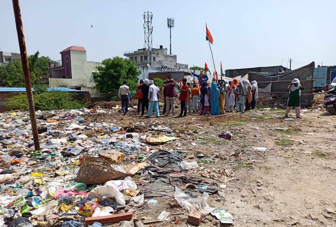 """<div class=""""paragraphs""""><p>One of the allegations against the Gujjar community is that they constantly dump their waste on the plot where the statue of BR Ambedkar has been put up.</p></div>"""