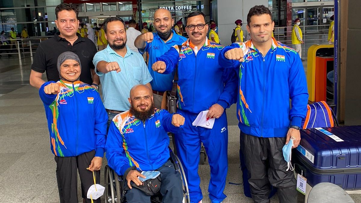 """<div class=""""paragraphs""""><p>Tokyo 2020 Paralympics: Indian participants with their staff.</p></div>"""