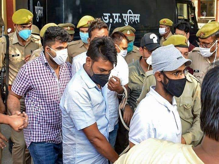 """<div class=""""paragraphs""""><p>The UAPA accused  being escortedby UP Police.</p></div>"""