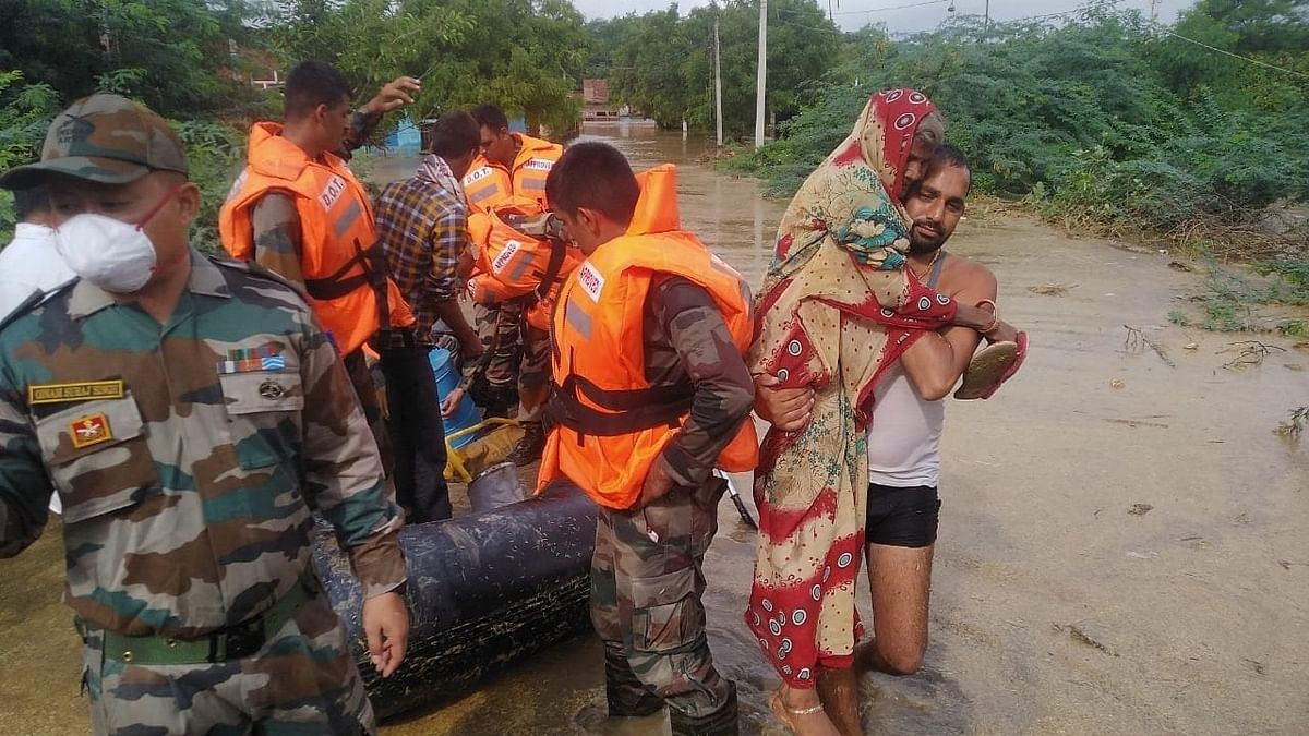Heavy Rains Lash States; Flood-Like Situation Arises Due to Rising Water Level