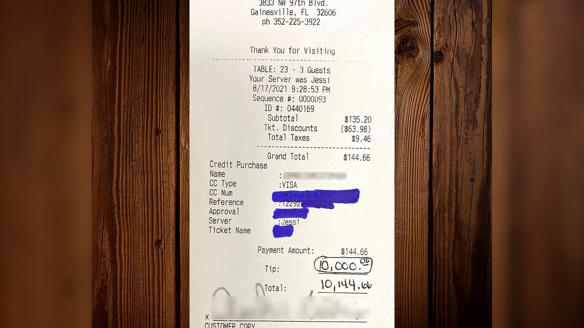 Florida: Mystery Man Leaves $10,000 Tip for Restaurant Staff