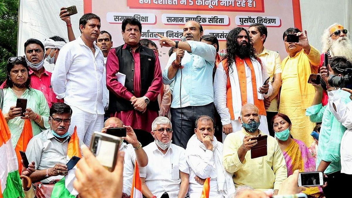 Slogans at Jantar Mantar: Head of Hindu Army Arrested in Lucknow