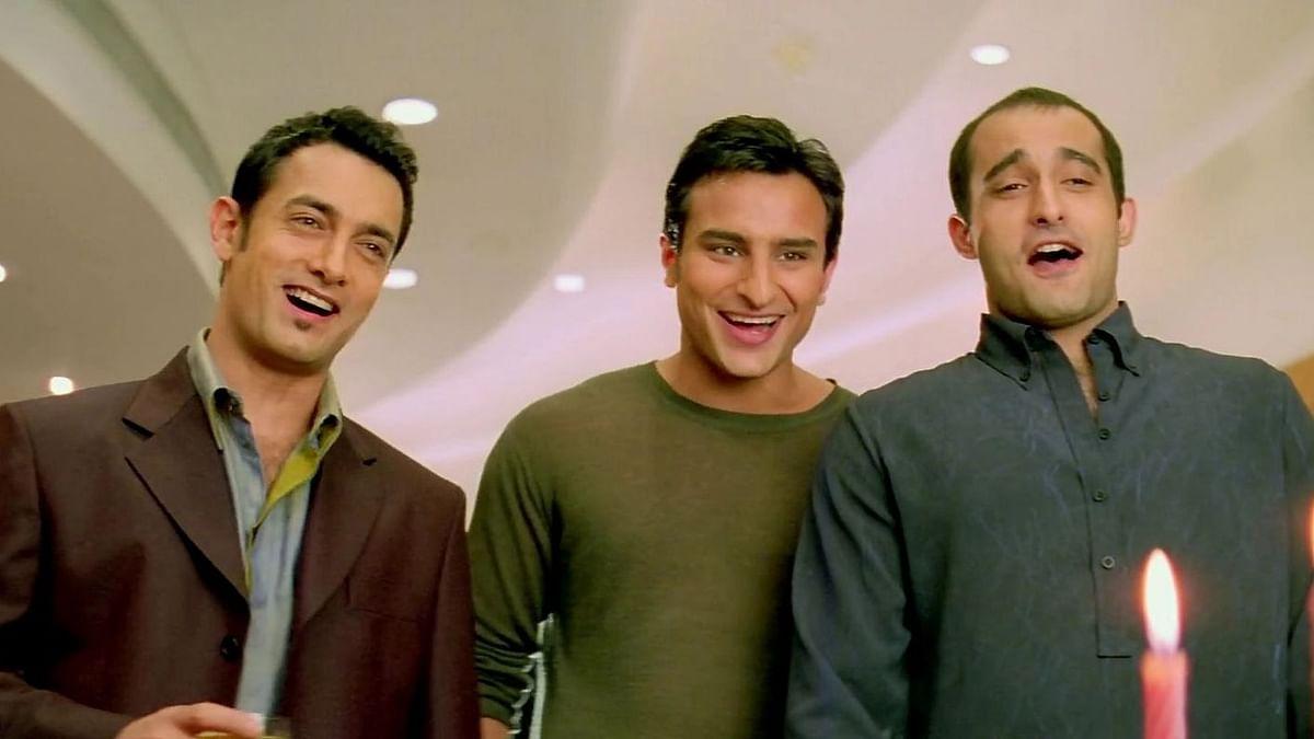 """<div class=""""paragraphs""""><p>Aamir Khan, Saif Ali Khan, and Akshaye Khanna play the leads in&nbsp;<em>Dil Chahta Hai.</em></p></div>"""