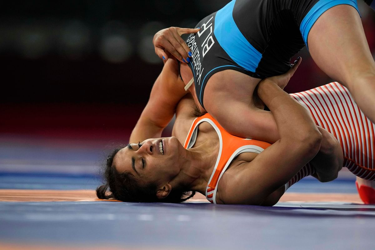 "<div class=""paragraphs""><p>Tokyo Olympics: Vinesh during her quarter-final bout against Belarus' Vanesa Kaladzinskaya</p></div>"