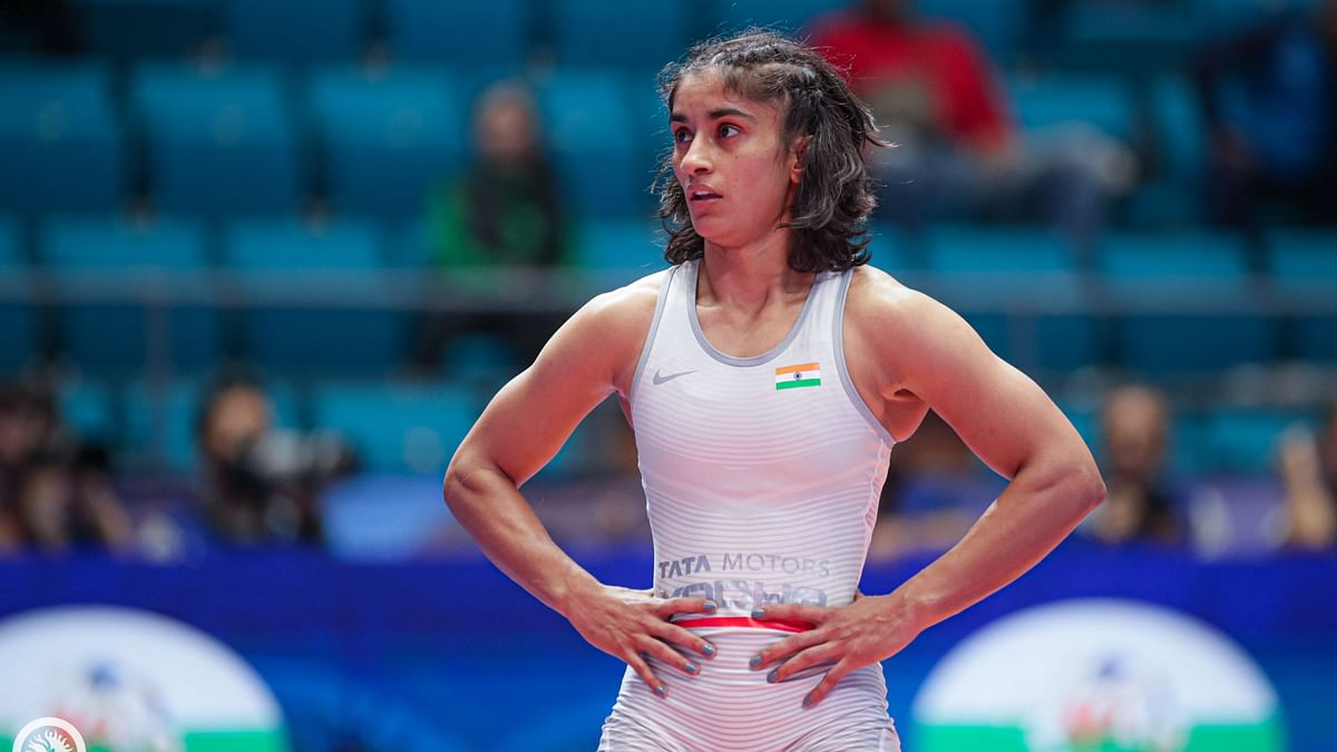 """<div class=""""paragraphs""""><p>Vinesh Phogat has lost her quarter-final bout at the 2020 Tokyo Olympics.</p></div>"""