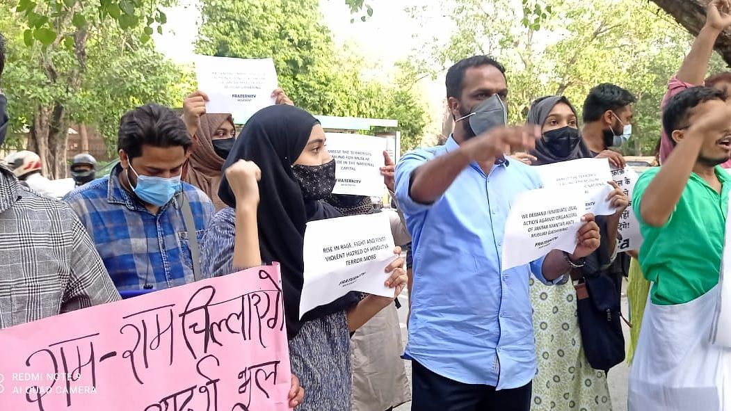 Delhi: Students, Activists Protest Against Communal Sloganeering; Many Detained