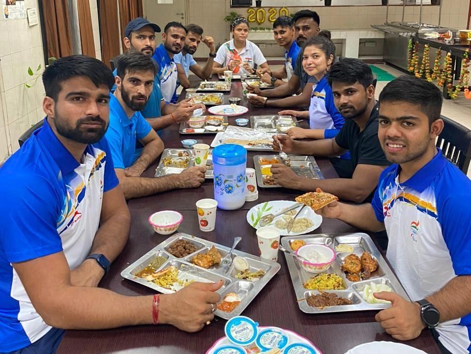 "<div class=""paragraphs""><p>Dinner organised by SAI at JLN Stadium Hostel</p></div>"