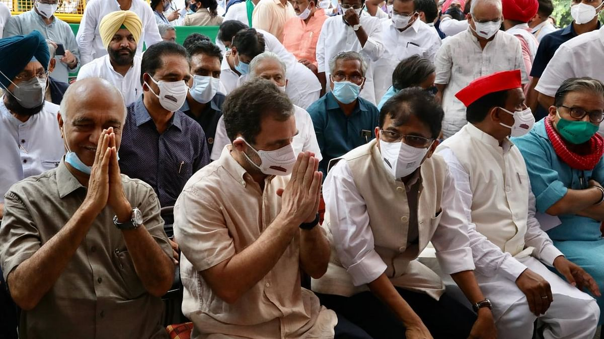 Oppn Leaders Join Farmers' Protest  With Rahul Gandhi at Jantar Mantar